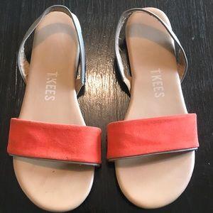TKEES Flat sandals.